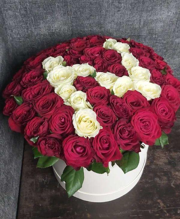Букет из роз с буквой