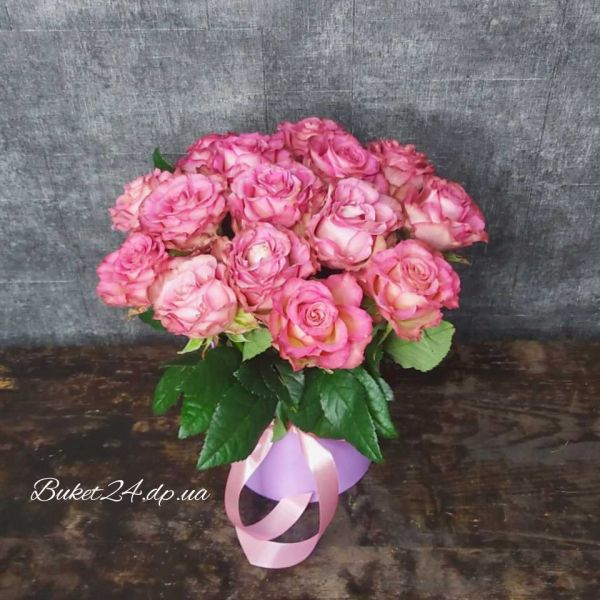 "Букет роз в шляпной коробке ""Леди Гортензия"""