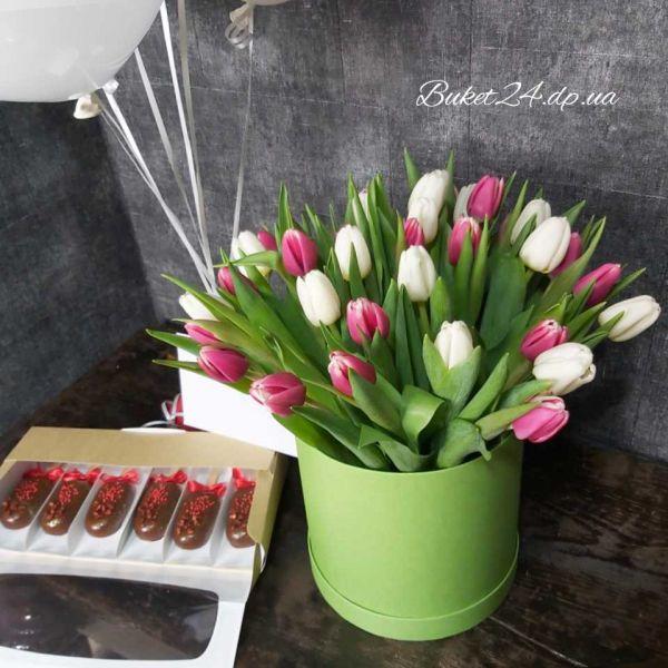 Тюльпаны в шляпой коробке . Предзаказ!